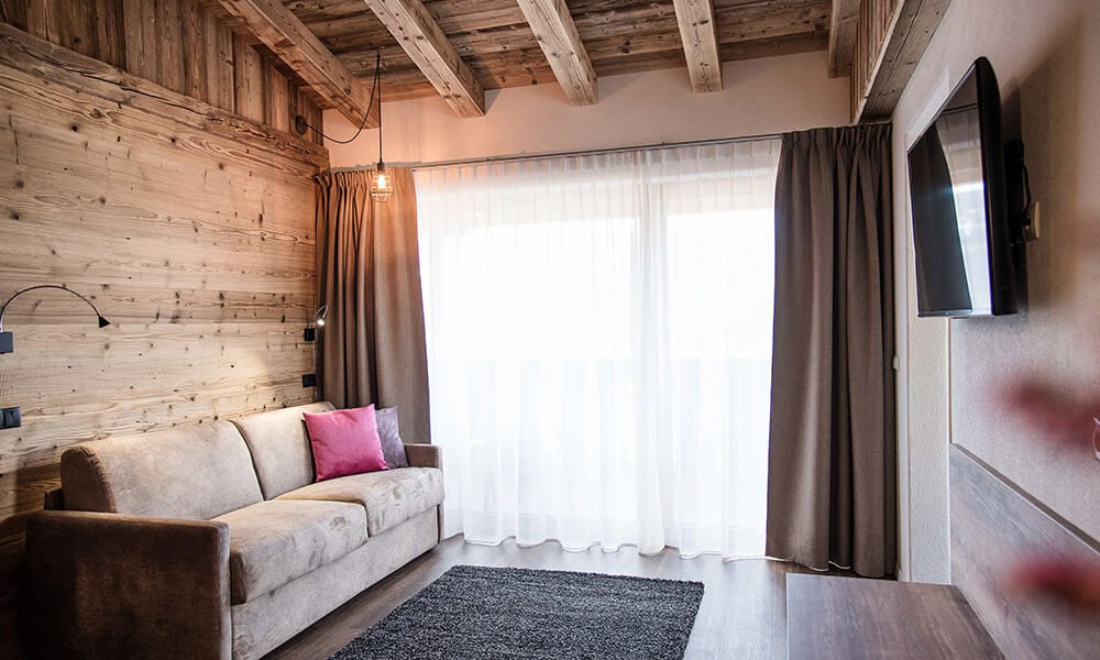 Chalet Schmied: your holiday apartment or the right room in Terenten
